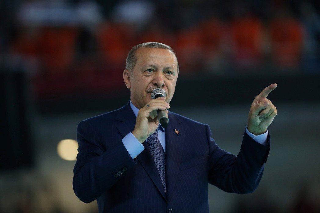 投資人等待土耳其總統厄多安最新談話,是否足以平息市場疑慮仍待觀察。  路透