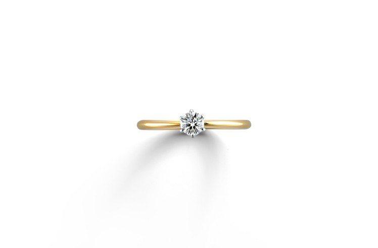 銀座白石訂婚鑽戒Smiling・Daisy設計採用的花朵為雛菊,是典雅精緻內斂的...