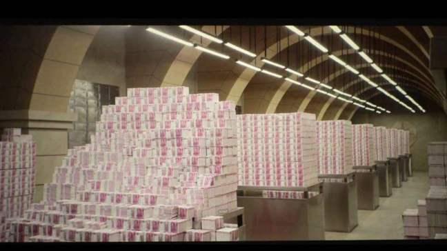 前華融董事長賴小民涉貪,住處搜出3噸重的現金。 取自天極網