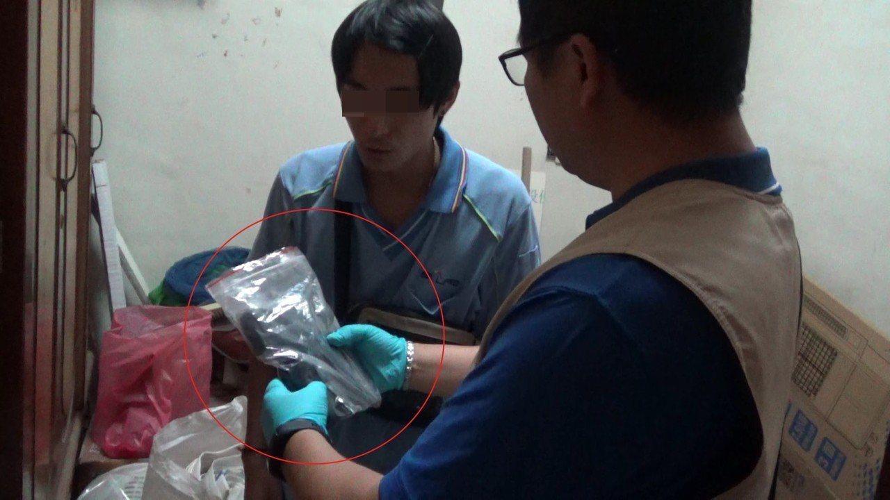 警方查扣改造槍枝。記者劉星君/翻攝