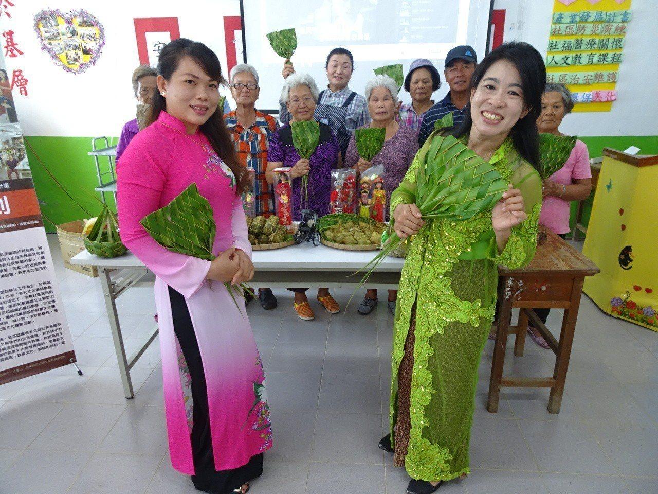 印尼籍外配馬月娥(右)和越南籍黎氏茂勇於突破,她們去年合組「恆好印象團」,不畏異...