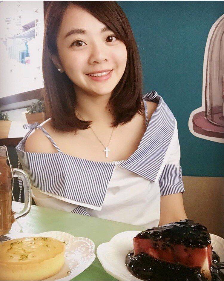 張婉柔大學時曾到法扶實習,受到震撼教育後,她去年拚考台灣律師,今年準備再拚考大陸...