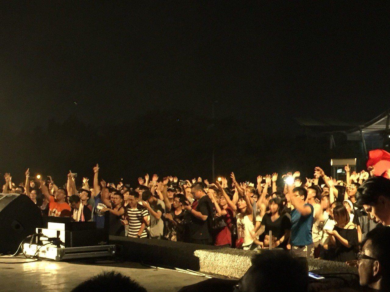 「虧雞福來爹」林義豐舉辦兩場「Crazy Friday」國際音樂節,受年輕人歡迎...
