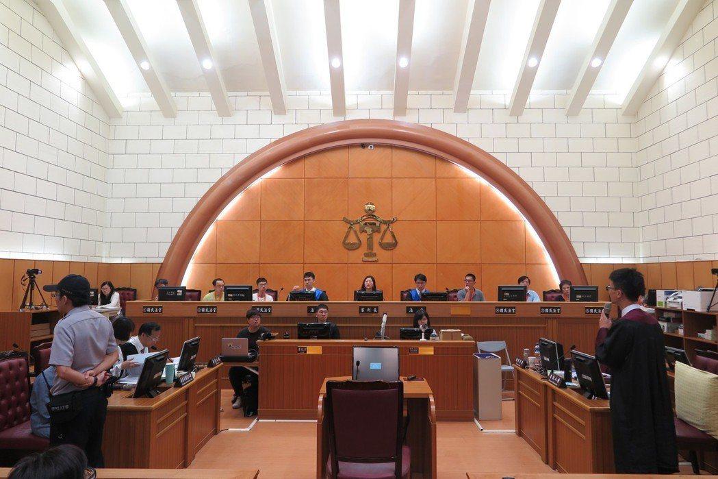 士林地方法院這兩天舉辦模擬法庭。 記者林孟潔/攝影