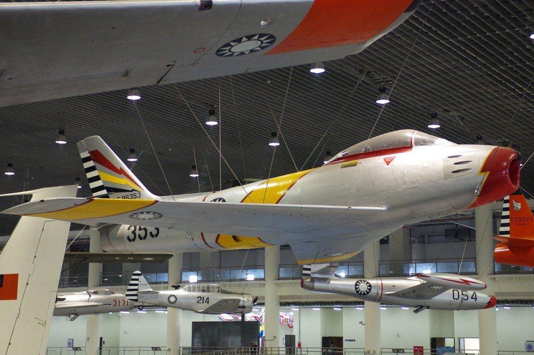 岡山空軍航教館中的F-86,漆成1958年924空戰時的塗裝。記者程嘉文/攝影