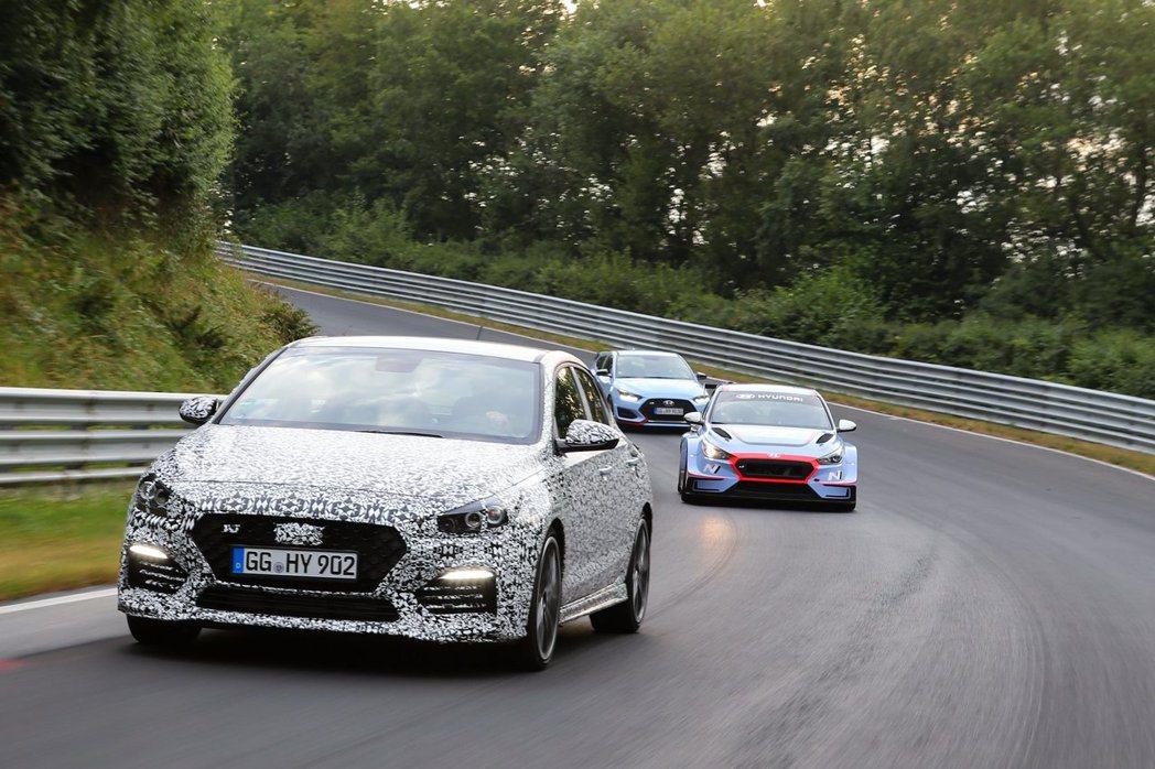 全新Hyundai i30 Fastback N目前仍在德國紐柏林賽道測試當中。...