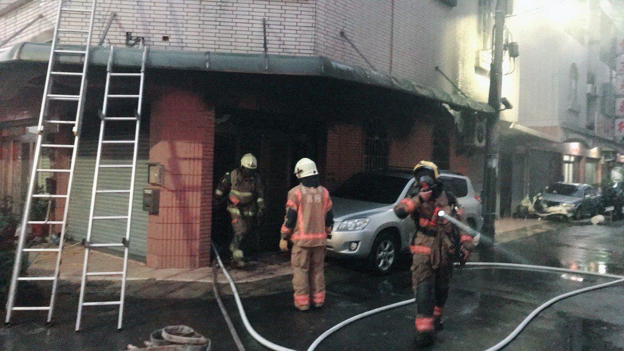 台南市鹽水區福德里一處民宅發生火警。圖/鹽水消防分隊提供