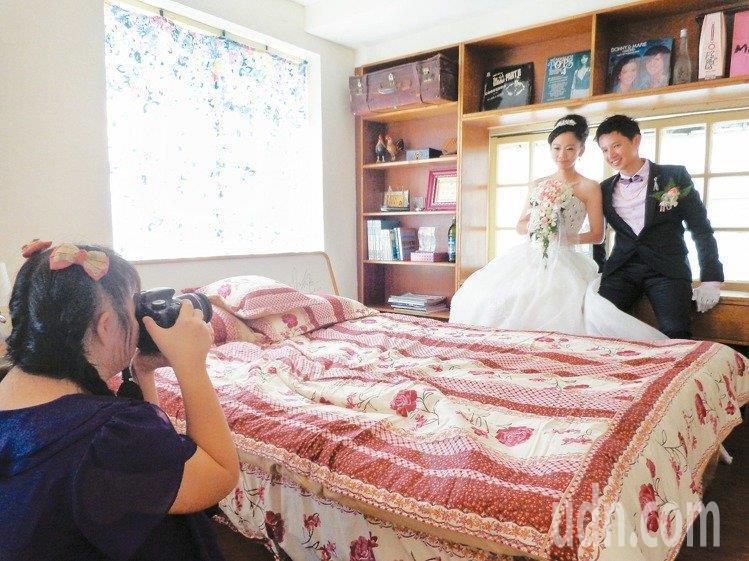 「唐寶寶」張綾的哥哥結婚時,她是不做第二人想的最佳攝影師。記者潘欣中/攝影