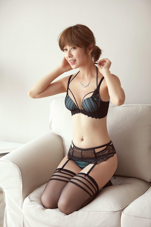 內衣品牌Audrey今年七夕情人節出奇招,推出「魔塑W弦七夕新品」,利用內衣綁帶...