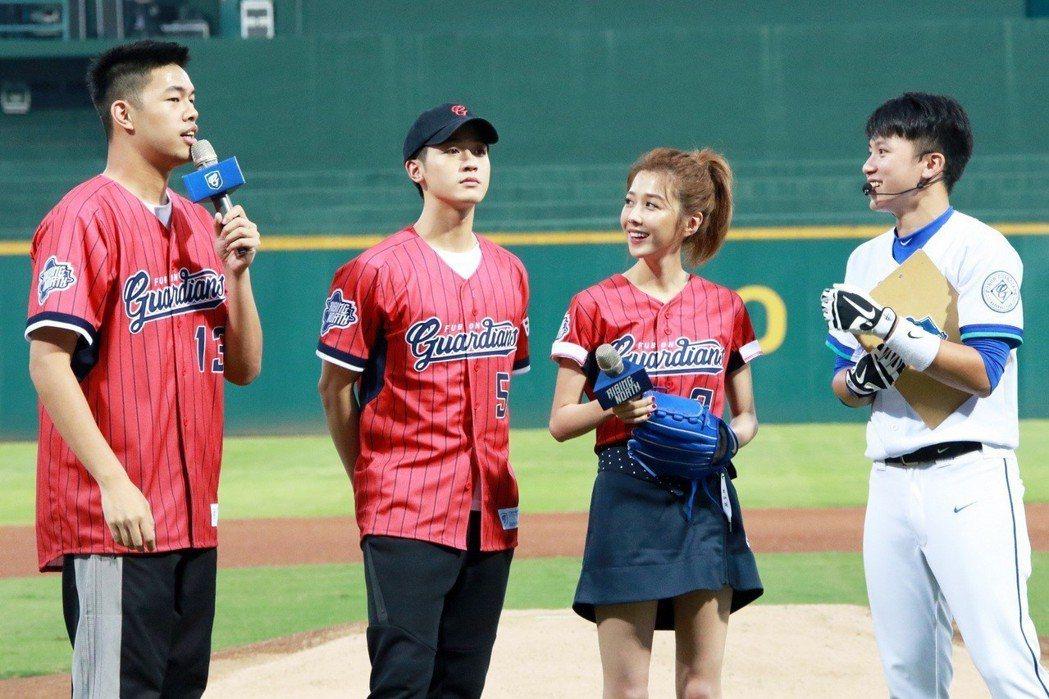 陳大天(左起)、吳思賢、邵雨薇分享開球心得。圖/東森提供