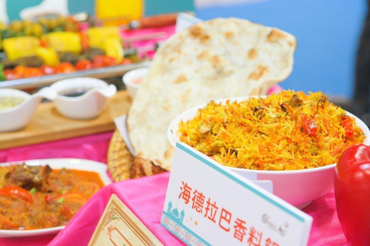 穆斯林美食館展出有多家符合穆斯林認證餐廳料理。記者陳睿中/攝影