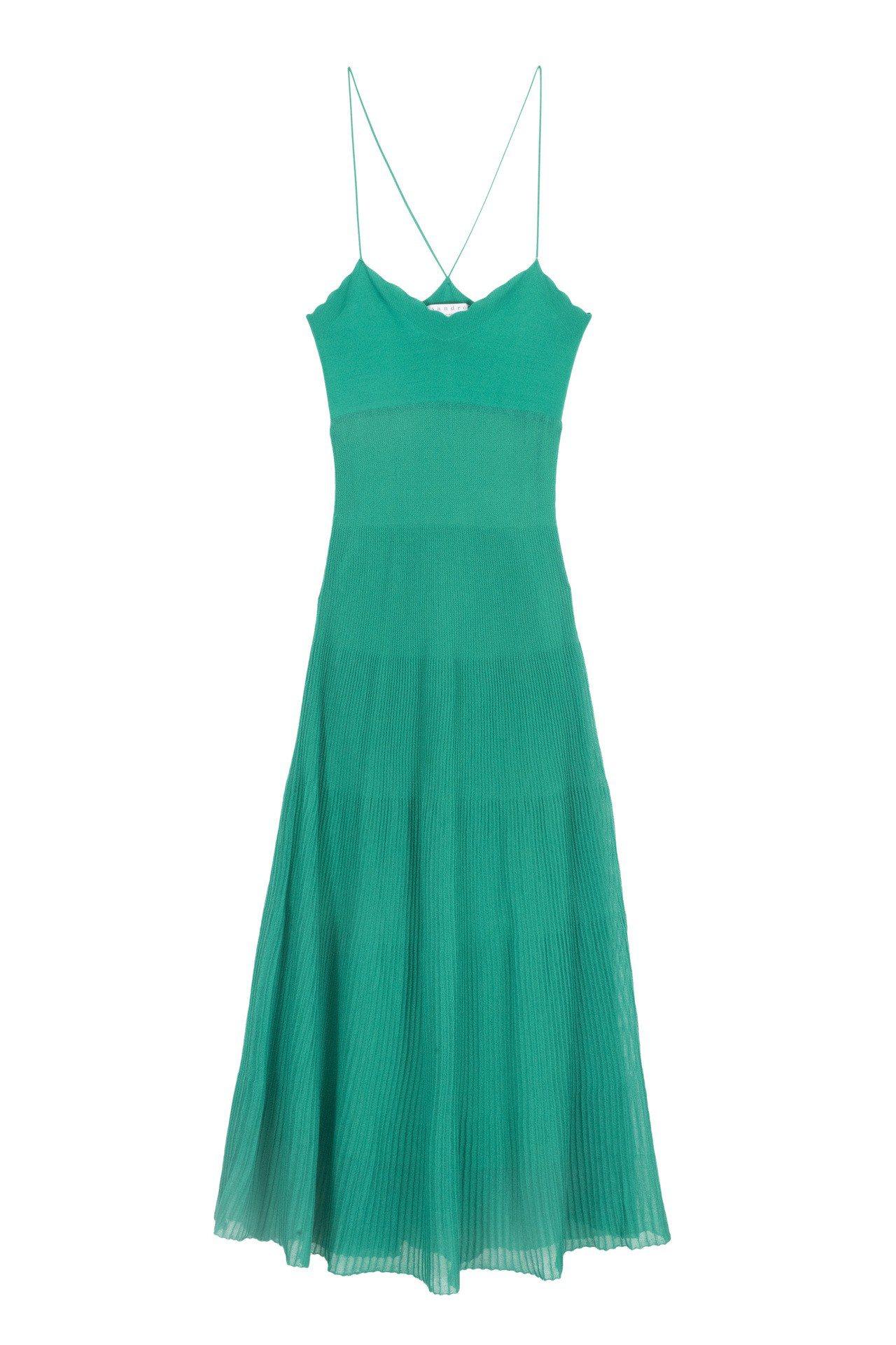 Sandro湖水綠針織連身裙,售價9,970元。圖/Sandro提供