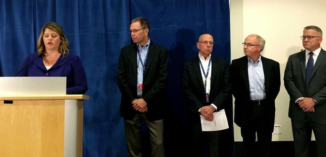 阿拉斯加航空主管11日在西雅圖召開記者會說明旗下地平線航空飛機失竊事件。(美聯社...