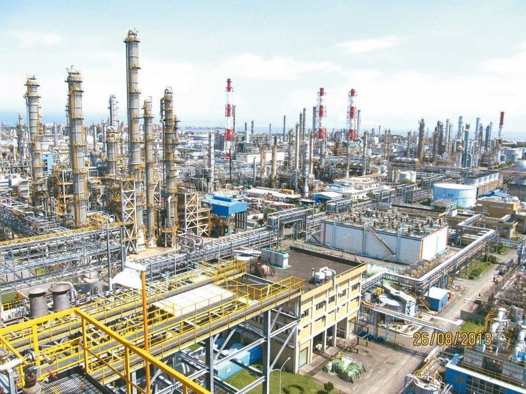 中油新三輕、四輕為最大宗石化上游原料乙烯生產重鎮。 本報系資料庫