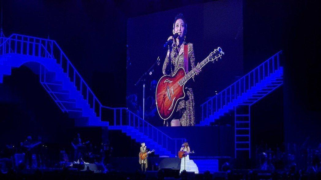 馬來西亞金曲歌后戴佩妮「賊」亞洲巡迴演唱會11日晚間在吉隆坡舉行,回到家鄉的她邀