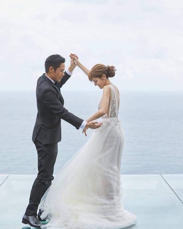 鄭嘉穎(左)與陳凱琳12日在峇里島舉辦婚宴。圖/摘自IG