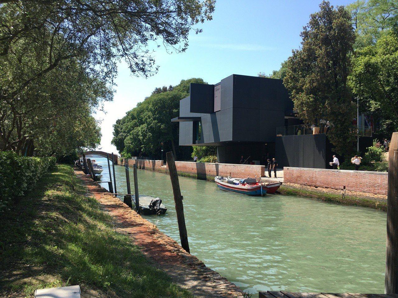 威尼斯建築雙年展的綠園展區本身是公園,風景優美。圖右前方是澳洲館。記者何定照/攝...