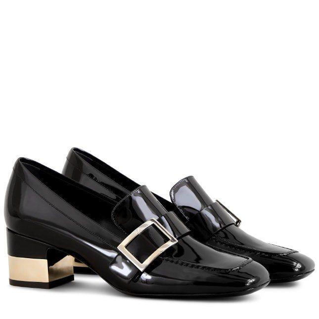 Roger Vivier秋冬打造外型方正古典的金屬方扣皮鞋,價格未定。圖/摘自R...