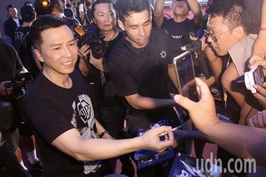 甄子丹晚上出席電影《大師兄》在西門町舉行的紅毯首映。記者林伯東/攝影
