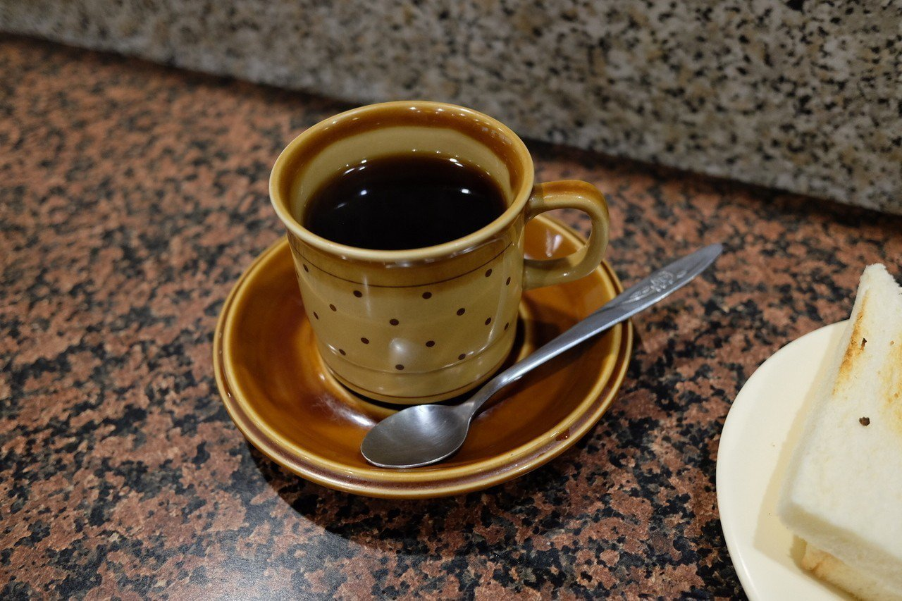 用老派賽風壺沖煮的黑咖啡。記者黃仕揚/攝影