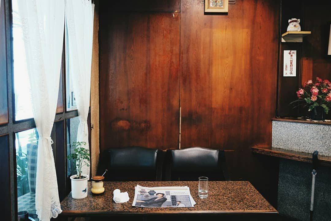 小堤咖啡店內十足懷舊感。記者黃仕揚/攝影