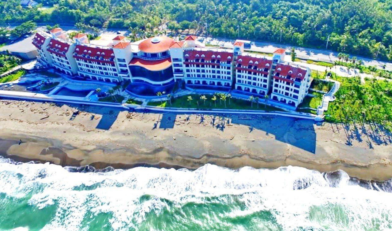 爭議近13年的台東美麗灣渡假村開發案,業者決定退場「不玩了」。 圖/林豐傑提供