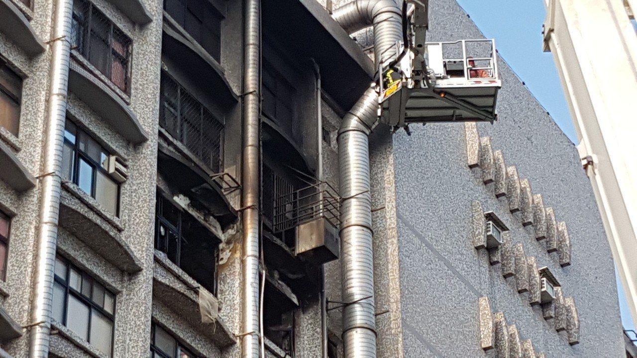 位於新莊區的衛福部立台北醫院7樓安寧病房,13日凌晨發生火警,造成嚴重死傷。 中...