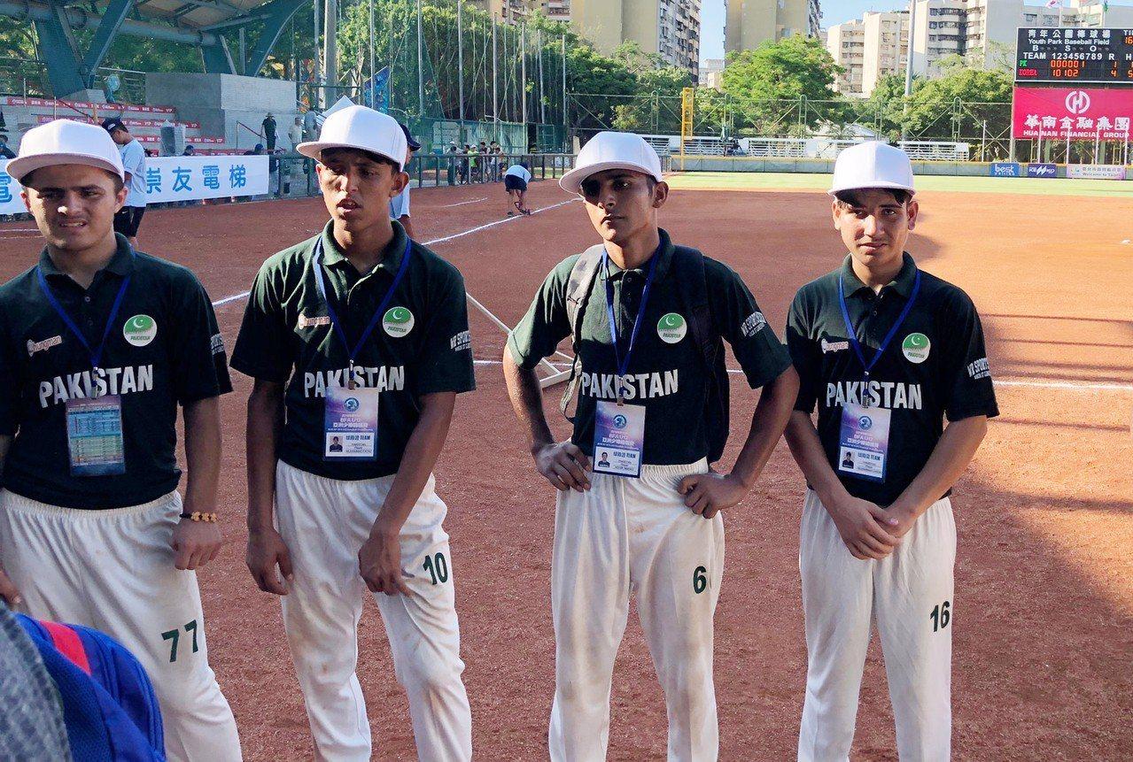 2018年第10屆BFA U12亞洲少棒錦標賽13日在台北開打,巴基斯坦隊(圖)...