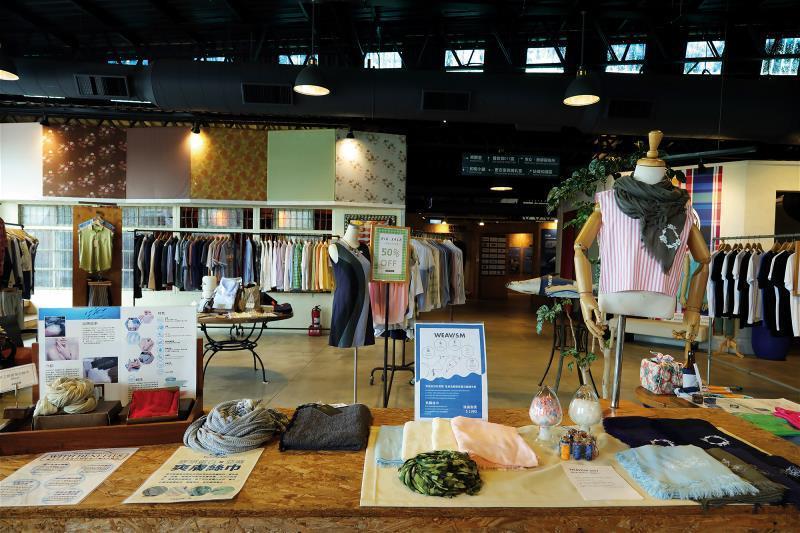 高科技纖維透過優異的紡織技術,再製成成衣,展現台灣紡織產業能量。