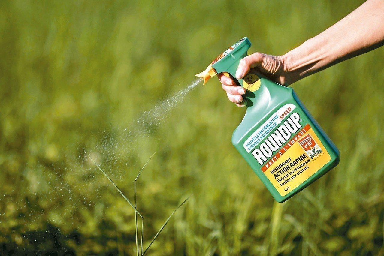 美國加州陪審團認為,農化業大廠孟山都未能告知產品年年春(Roundup)恐有致癌...