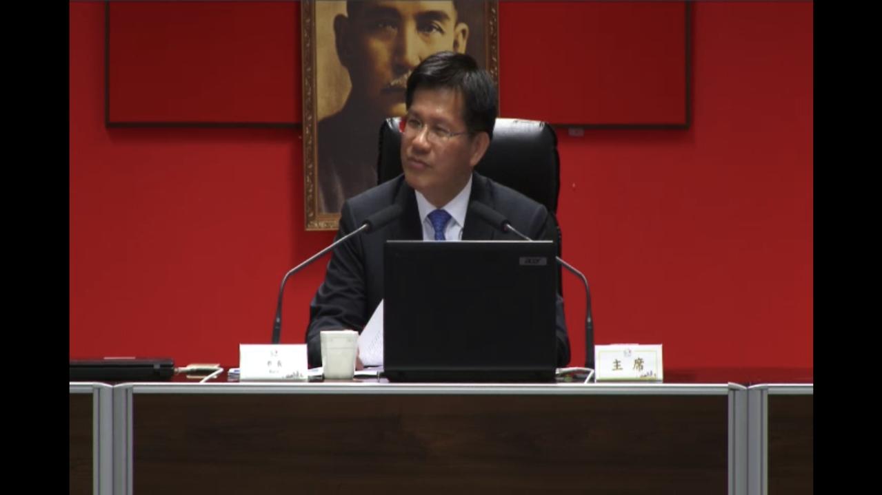 台中市長林佳龍指出離岸風電帶來上兆元投資,生意人搶地卡位。記者陳秋雲/攝影