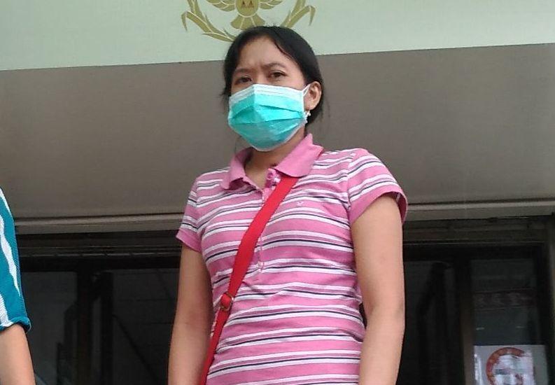 第一時間發現病床起火的印尼籍看護,到警局協助調查。記者林昭彰/攝影