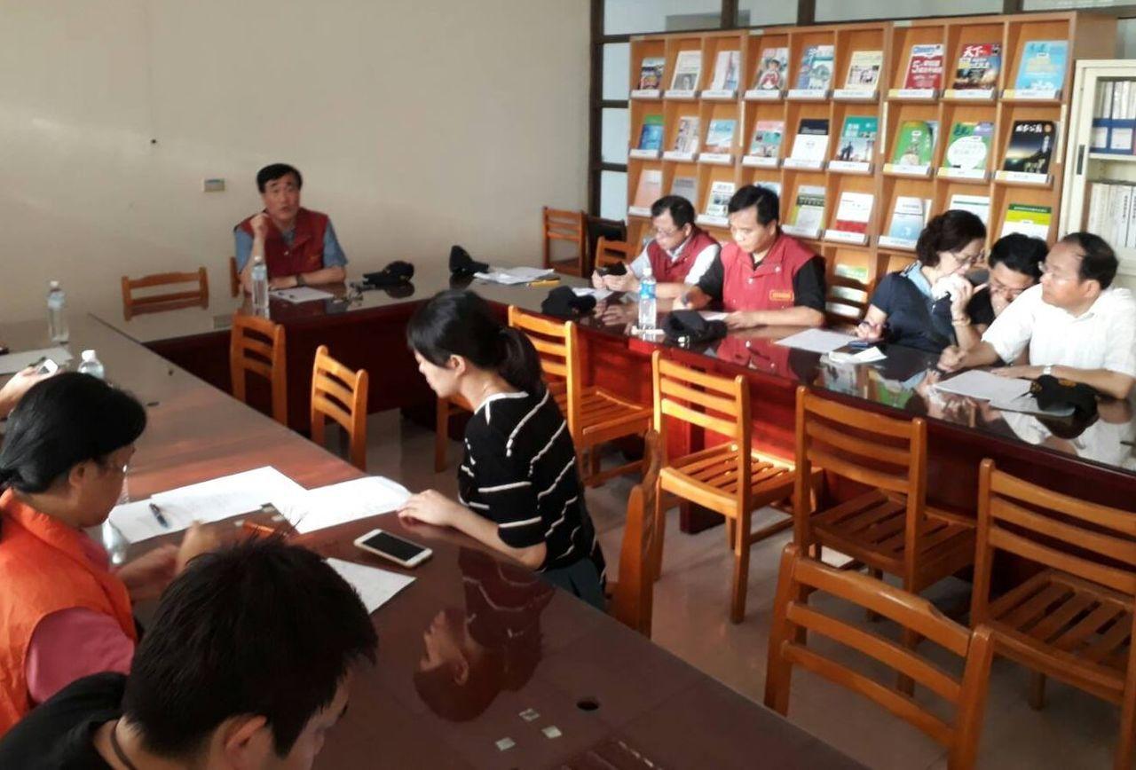 新北市政府由副市長李四川(中)主持工作會議。圖/市政府提供