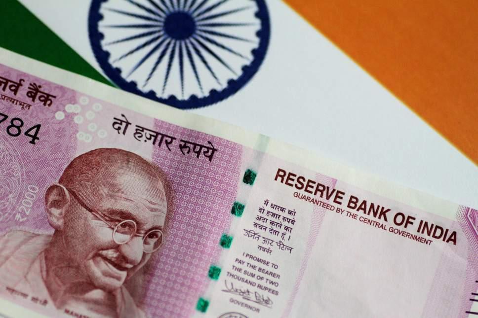 印度貨幣盧比兌美元匯率13日走弱至歷史低點。路透