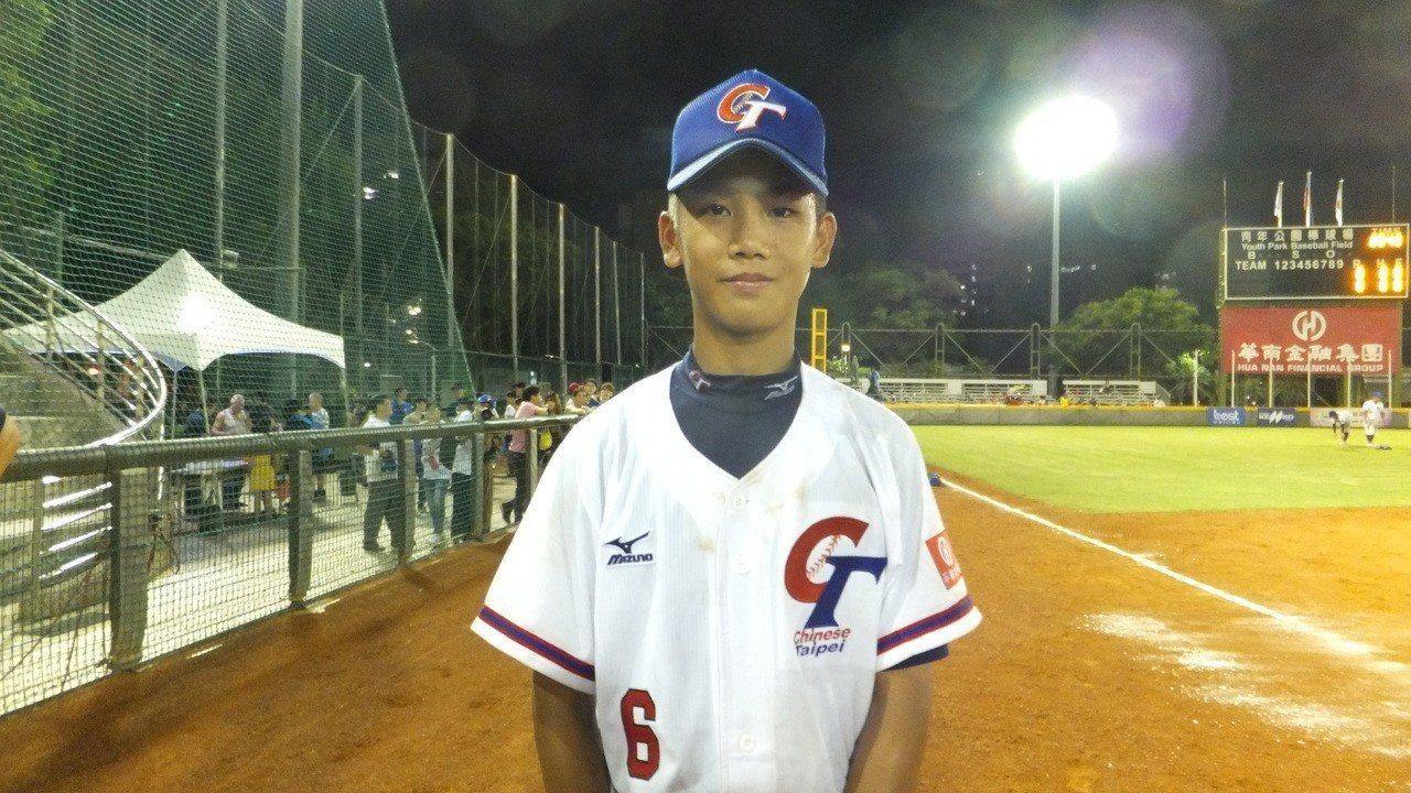 中華隊第2任投手曾聖安投3.1局未失分,封鎖日本隊攻勢。記者藍宗標/攝影