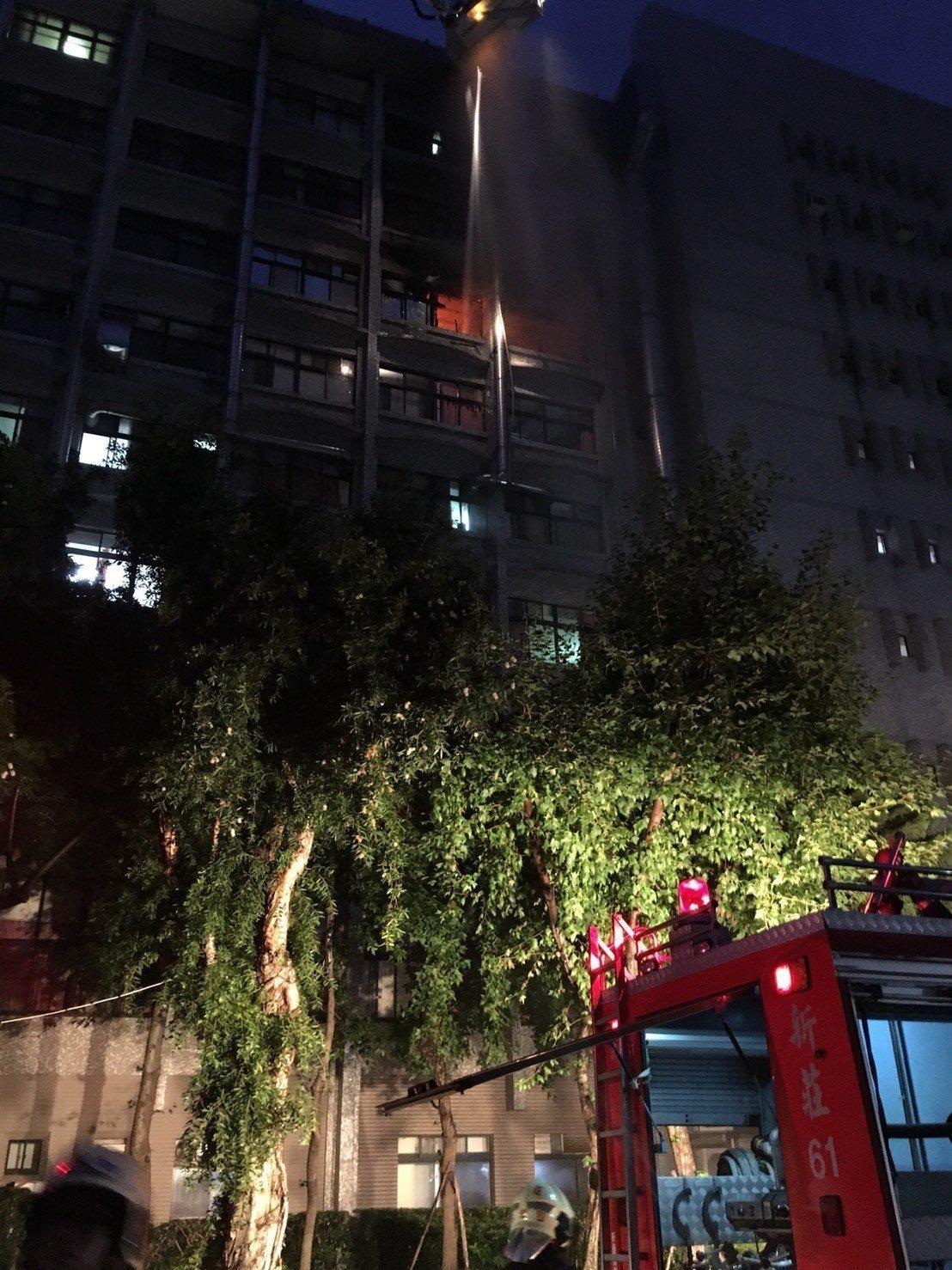 新北市新莊區的衛福部台北醫院護理之家火警,造成9人死亡。記者李奕昕/翻攝