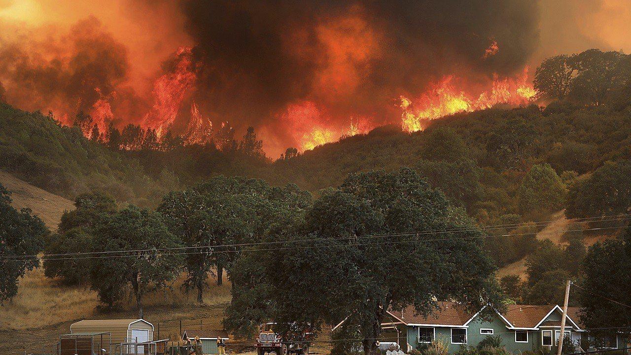 氣候變遷也是全球野火發生頻率增加的主要原因。 (美聯社)