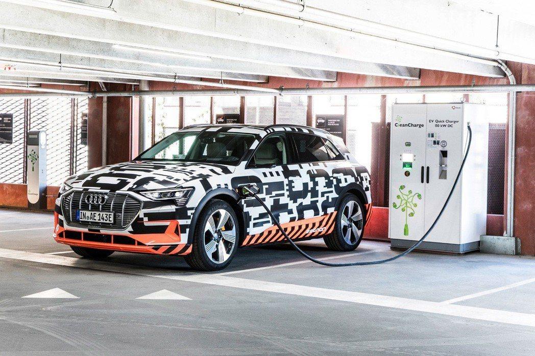 Audi e-tron SUV純電休旅車確定將在8月30日於比利時布魯塞爾全球首發。圖/Audi提供 陳威任