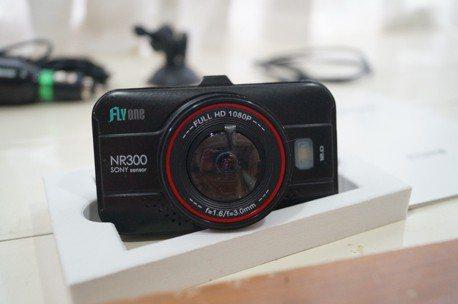 小資族也有高CP值 Flyone NR300 行車紀錄器實測