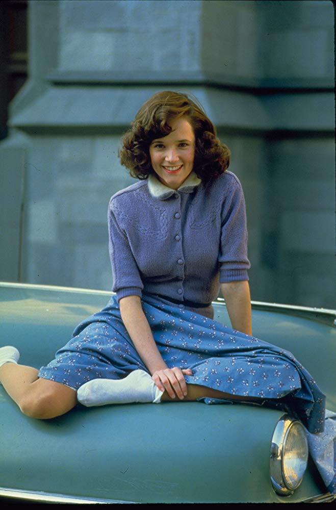 莉亞湯普遜在「回到未來」中青春嬌美。圖/摘自imdb