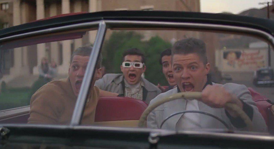 湯馬斯威爾森(右一)在「回到未來」的惡棍形象太深入人心,很難改變戲路。圖/摘自i...
