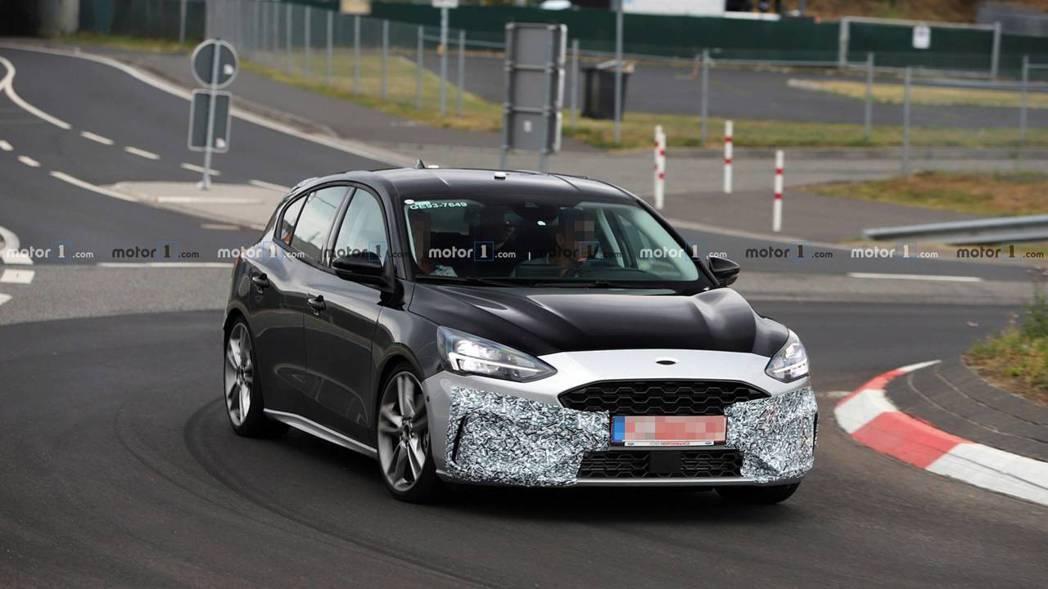 Focus ST前保桿肯定比一般版本更為狂野。 摘自Motor1
