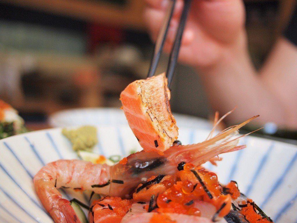 ▲脂美油香,誠意滿點的鮭魚大腹。(圖/台灣旅行趣)