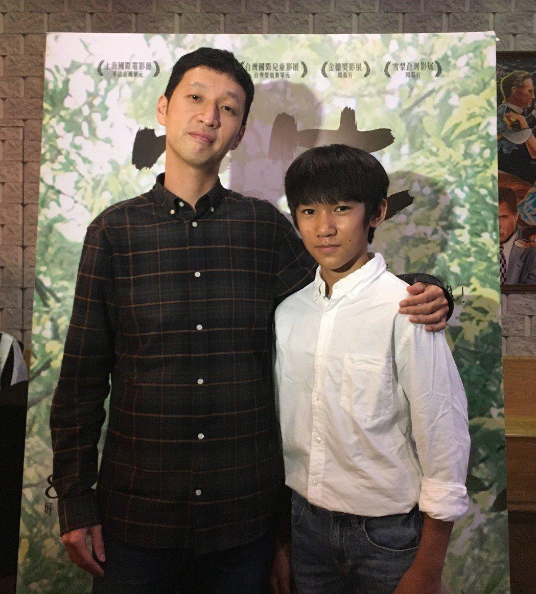 導演安邦大讚吳至璿(右)演技。圖/華映娛樂提供