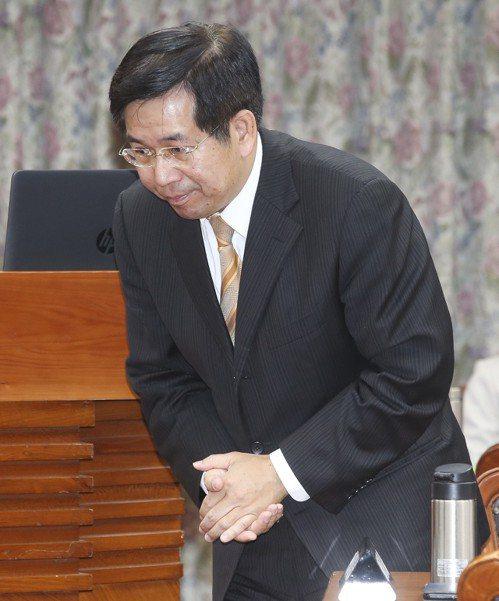 教育部前部長潘文忠辭職,被解讀為台大校長「卡管案」走人。 圖/聯合報系資料照片