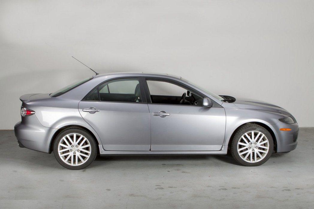 這台可說是原汁原味毫無改裝的Mazdaspeed6。 摘自Bring a Tra...