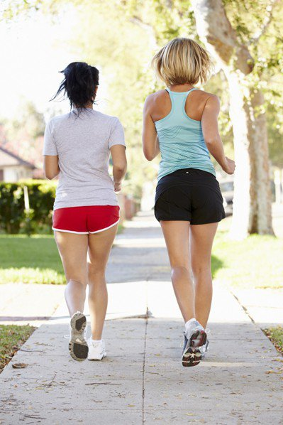 每天走路30分鐘有助降低血壓! 圖片/ingimage