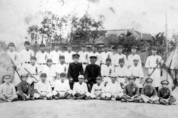 1942年當時出征的台北工業學校,球員們全都穿上漢字「北工」球衣。  圖/菊池文男提供