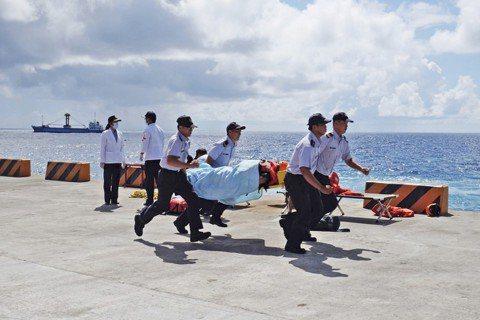 綠島恐怖故事:七月觀光客來了,醫護人員也崩潰?