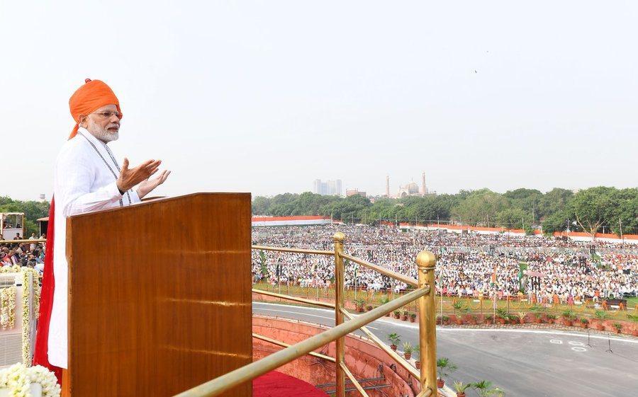 印度總理莫迪在國慶日承諾4年內送印度人上外太空。(photo credit by...